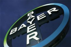 Bayer picks strategy head for top post