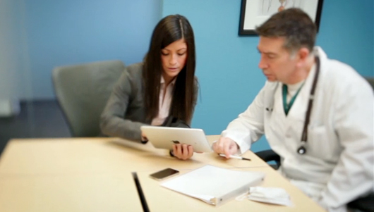 iPad doctor and pharma sales rep