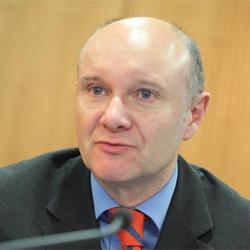 Steve Oldfield, Sanofi