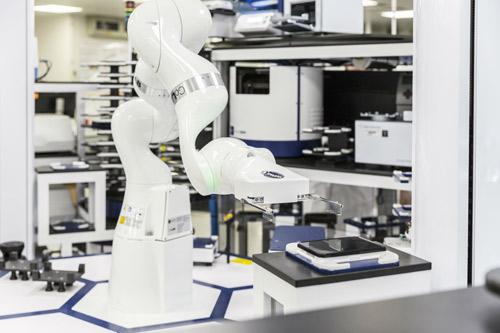 AstraZeneca AZ robot research drug discovery NiCoLA-B