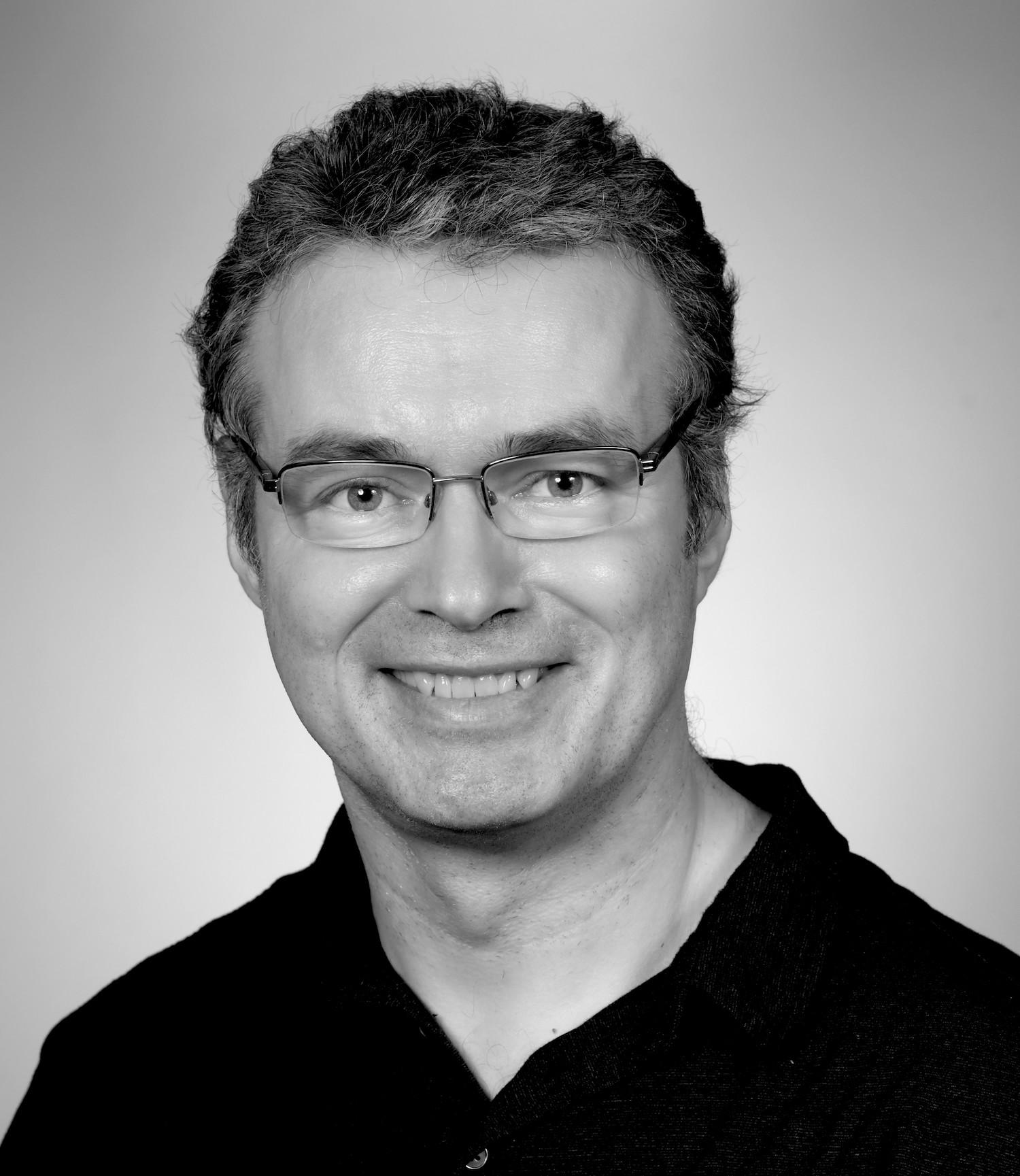 Dr Peter Simpson